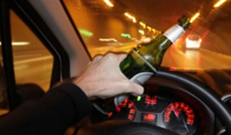 Viteză și alcool: Mai are dreptul acest șofer să dețină permis de conducere?