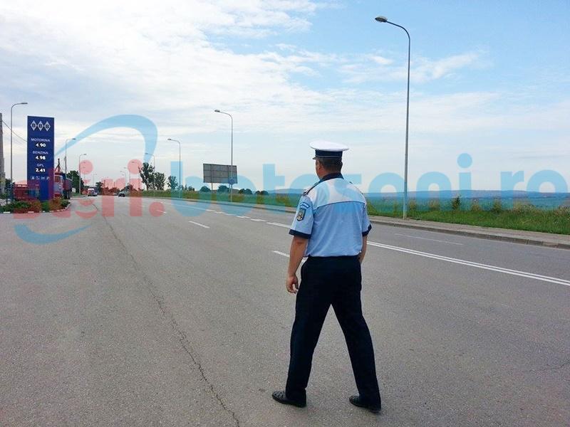 Botoșănean aflat la volanul unei mașini de Marea Britanie, anchetat pentru fals, după ce a fost tras pe dreapta de polițiști!