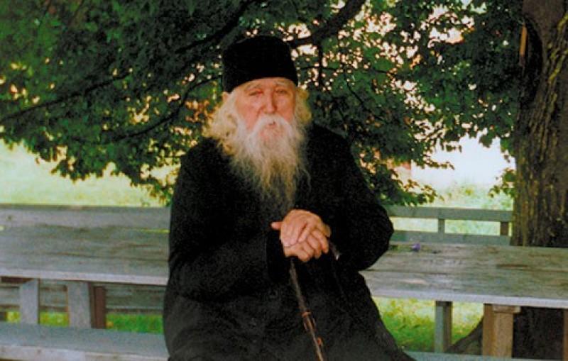 """VORBA BUNĂ - Părintele Cleopa: """"Cine-și păzește limba sa, are mare liniște sufletească"""""""