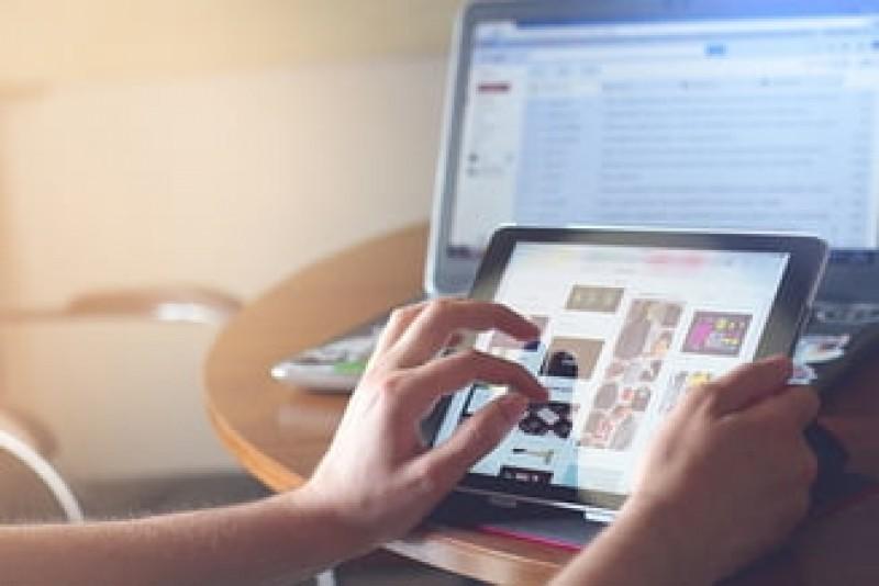 Vot decisiv pe Legea Copyright-ului în Parlamentul European: Se va schimba Internetul așa cum îl știm?