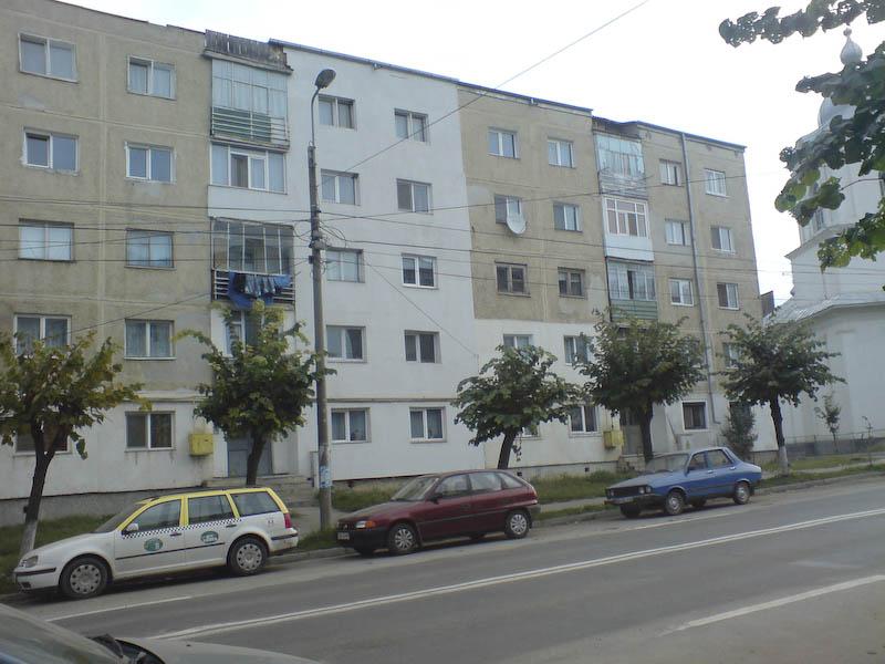Zece scari de bloc din Botosani reabilitate cu sprijinul statului!