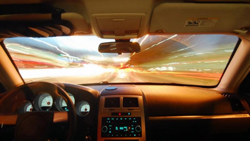 Zeci de amenzi aplicate în weekend pentru nerespectarea regimului legal de viteză