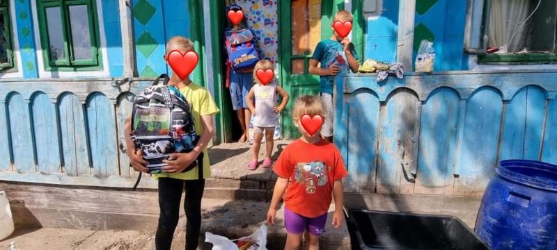 Zeci de copii ajutați să înceapă școala, în memoria unui om al faptelor bune