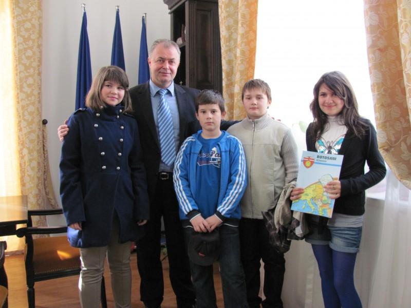 Zeci de elevi au dorit să se întâlnească cu primarul Cătălin Flutur-FOTO