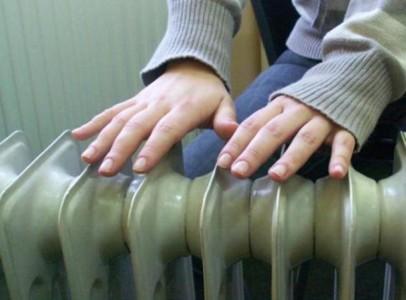 Zeci de familii îngheaţă în apartamente, în municipiul Botoşani!