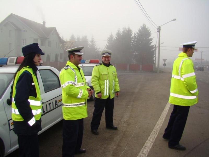 Zeci de infracţiuni şi sute de amenzi aplicate de poliţiştii botoşăneni în minivacanţa de Anul Nou