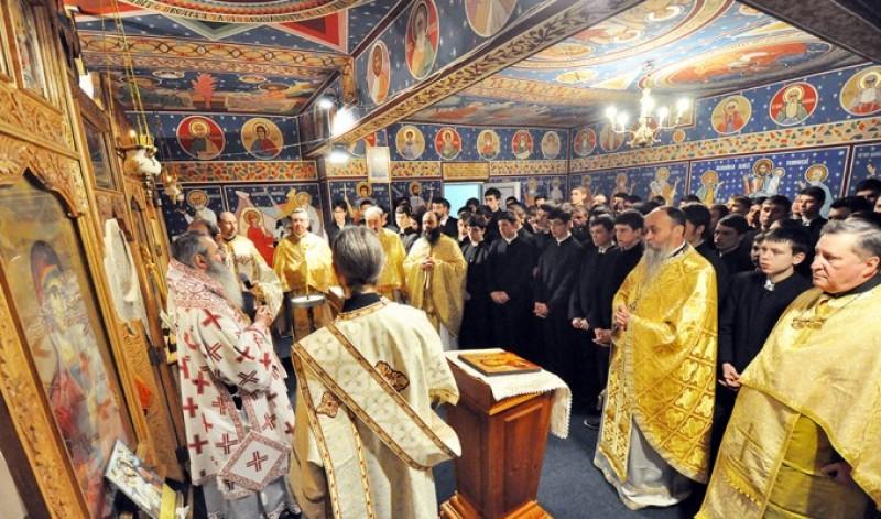 Zi de rugăciune şi de întâlnire cu elevii Seminarului Teologic Botoşani
