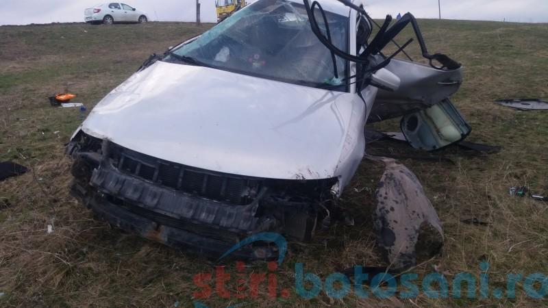 Accident în ziua de Florii, provocat de o șoferiță de 28 de ani! FOTO