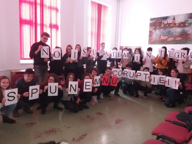 Ziua Internaţională Anticorupţie, marcată de elevii botoșăneni