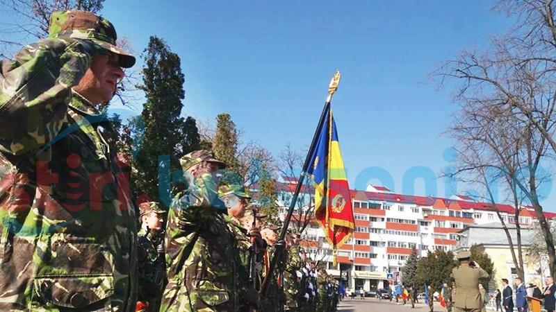 Ziua NATO marcată la Botoșani cu alocuțiuni și defilarea Detașamentului de onoare - FOTO, VIDEO