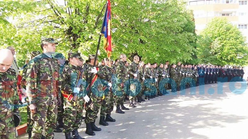 Ziua Veteranilor de Război marcată la Botoșani cu depuneri de coroane și defilarea gărzii de onoare - FOTO, VIDEO