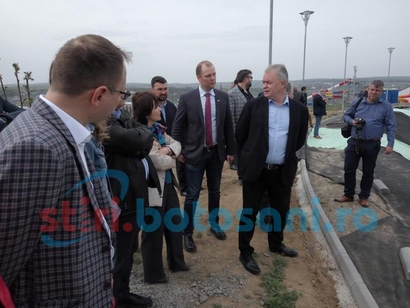Zona de agrement Cornișa, vizitată de consilierii locali pentru a vedea stadiul lucrărilor! FOTO
