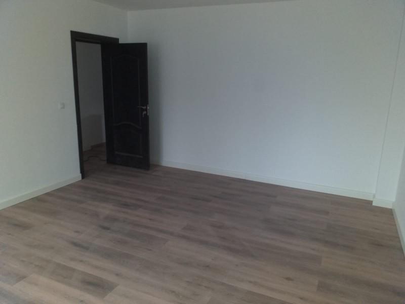 Apartament 3 camere bloc 2019 la cheie