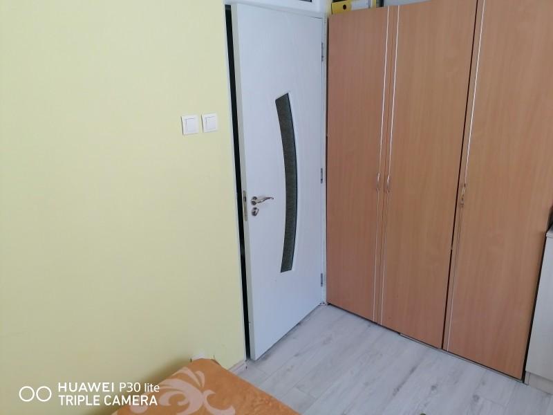 Vând apartament 2 camere zona Scolii 11